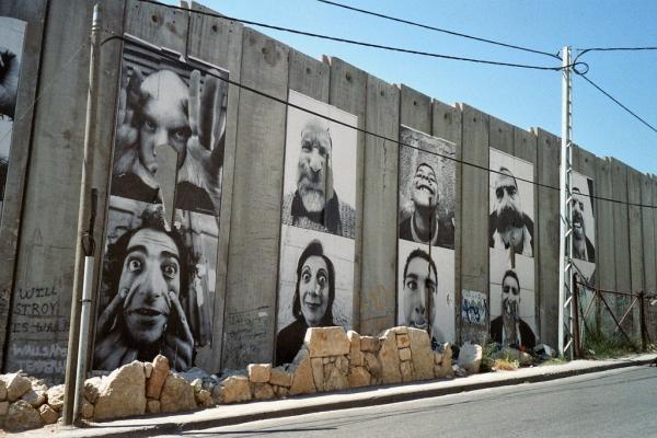 Le mur, un phénomène total ?